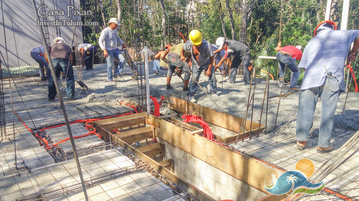 Concrete day : second floor pour at Casa Pixán